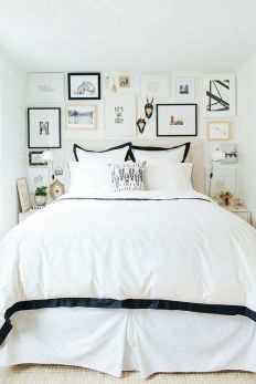 Small Apartment Bedroom Decor 54