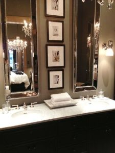 Tiny Master Bathroom 20