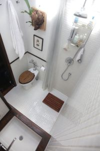 Tiny Master Bathroom 78