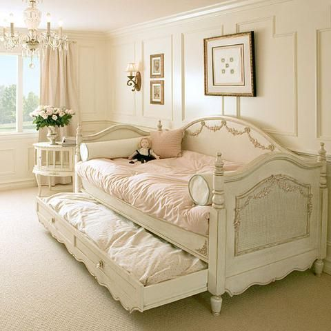 Vintage Room 140