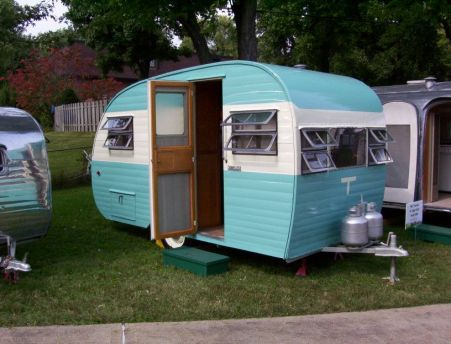 Vintage CampersTravel Trailers 290