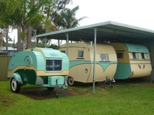 Vintage CampersTravel Trailers 299