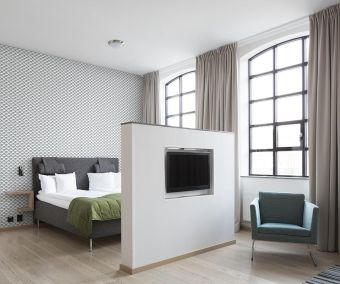 Master Bedroom 258