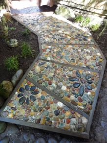 Mosaic Patio 128