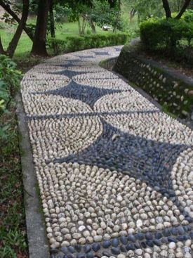 Mosaic Patio 43