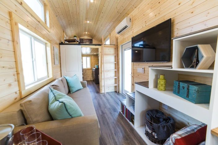 Tiny House Mansion 108