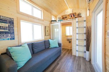 Tiny House Mansion 16