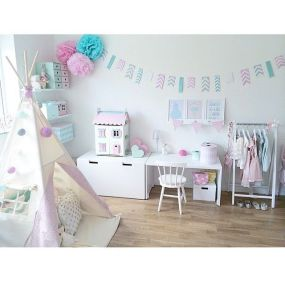 White And Pastel Bedroom 114