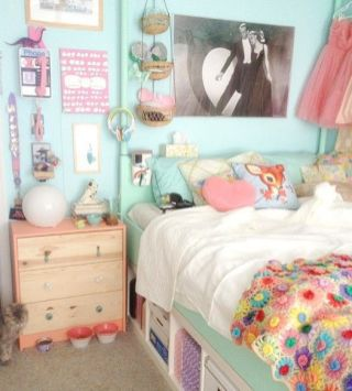 White And Pastel Bedroom 72