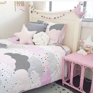 White And Pastel Bedroom 75