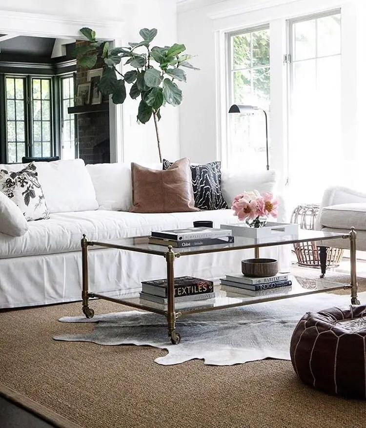 Elegant Contemporary Living Room 87