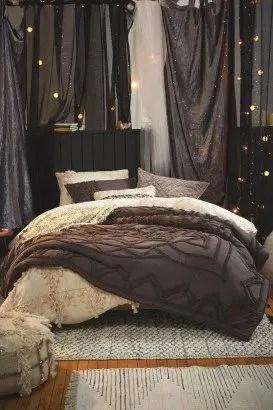 Elegant Cozy Bedroom 49