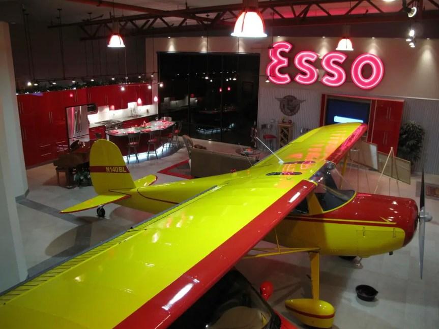 Airplane Hangar 13