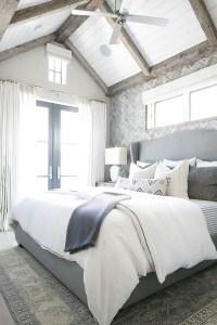 Colorful Modern Bedroom 15