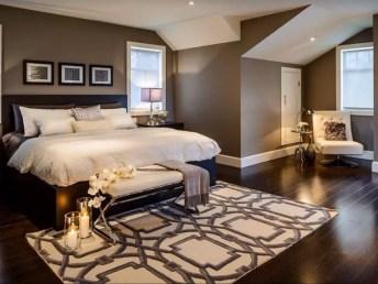 Colorful Modern Bedroom 24