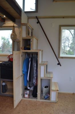 Tiny House Stairs 22