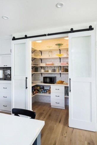 Modern Farmhouse Kitchen 16