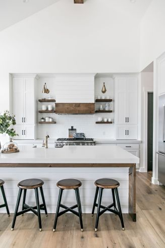 Modern Farmhouse Kitchen 17