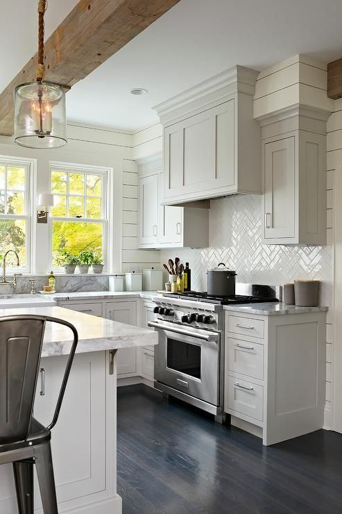 Modern Farmhouse Kitchen 19