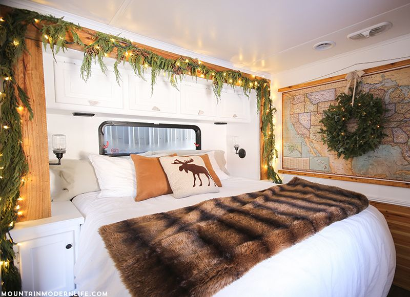 25 Awesome Holiday Decoration Ideas For Your RV - decoratoo