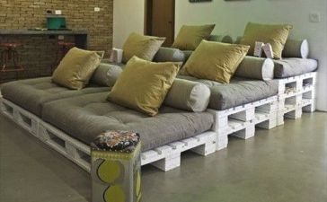 08Interior Pallet Furniture
