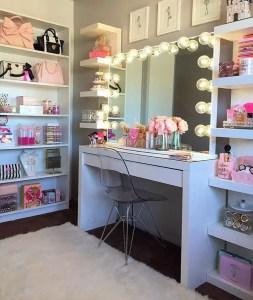 Makeup Stands 18