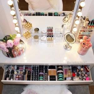Makeup Stands 9