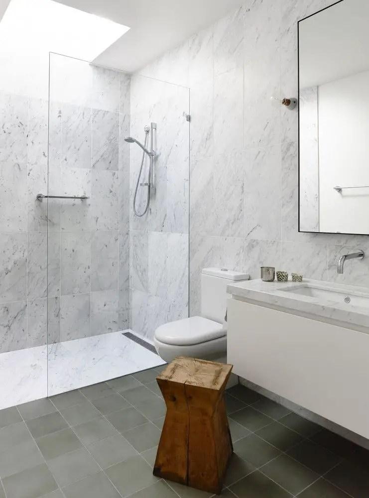 Small Master Bathroom 15