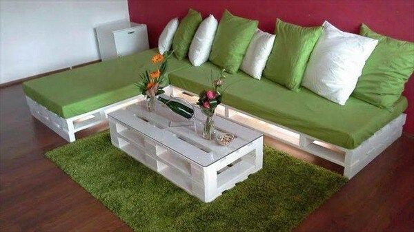 Wooden Pallets Sofa 17