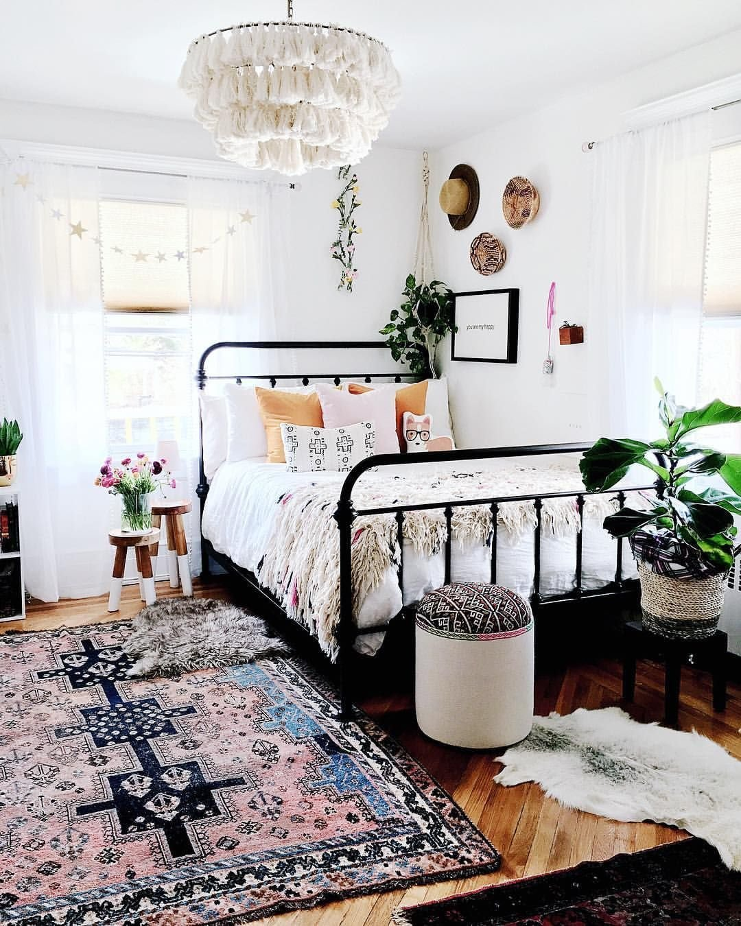 16 Small Master Bedroom Ideas That Are Larger Than Life ...