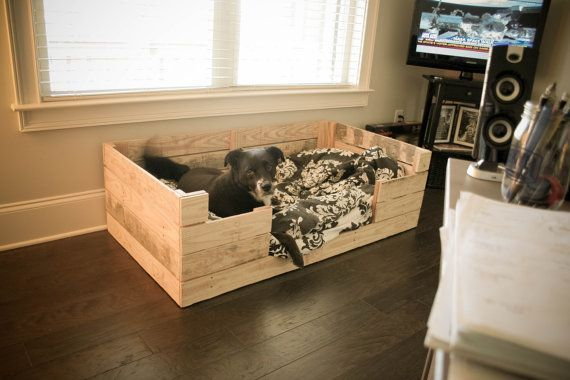 18 Cute DIY Pallet Beds For Dogs