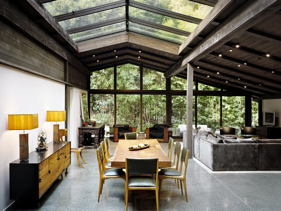 Wood Character in Experimental Ranch House Design