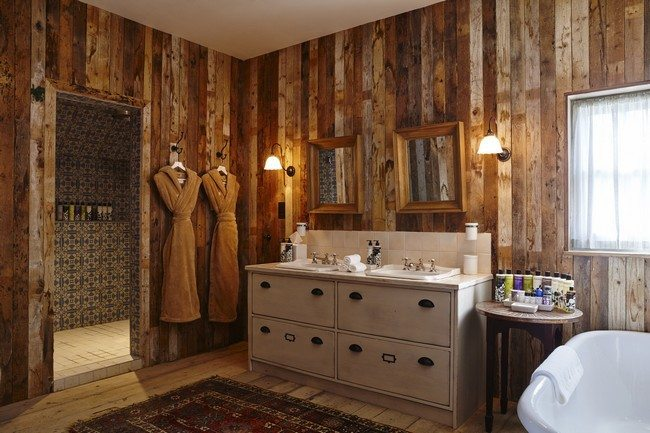 Creative Ways to Decorate your Farmhouse Bathroom  Decor Around The World