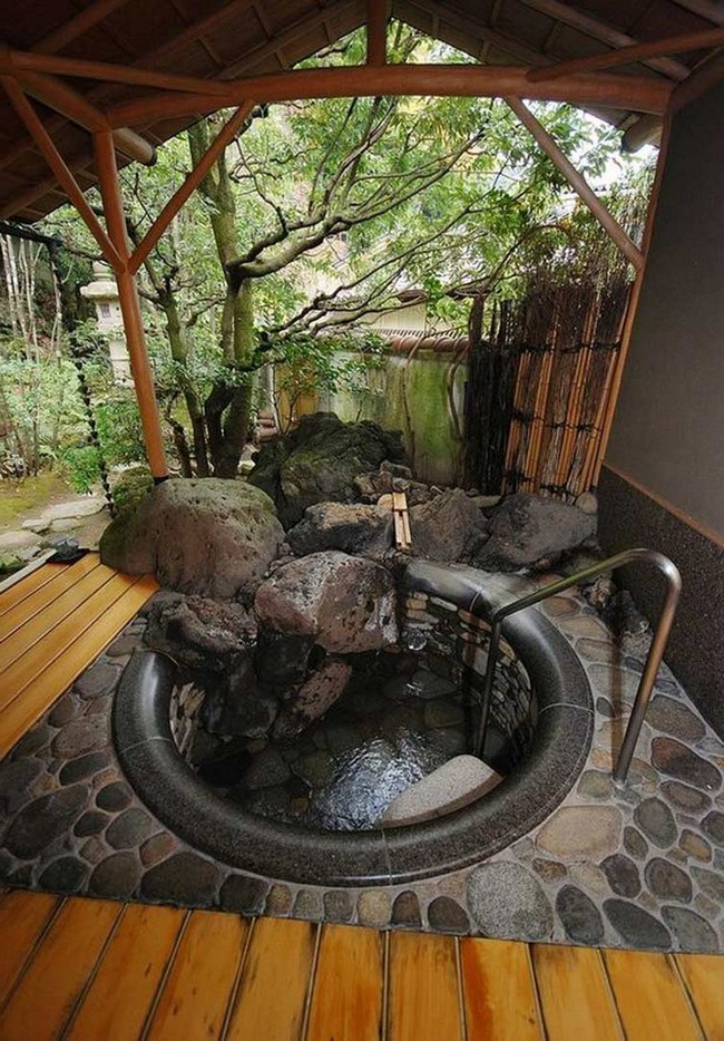Amazing Outdoor BathroomShower Ideas You Can Try In Your Home Decor Around The World