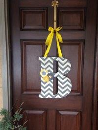 30+ Beautiful Front Door Monogram Decorating Ideas - Decor ...