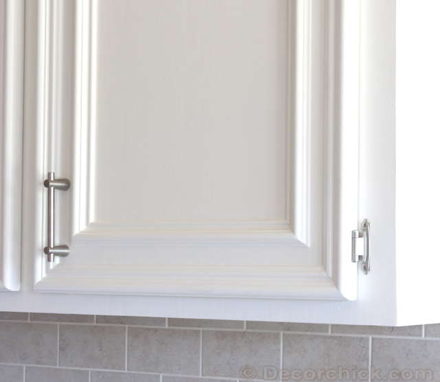 Decor Cabinets Hardware: The Kitchen Cabinet Jewels {Cabinet Hardware}