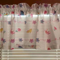 Beautiful Curtain Princess Design Ideas 16