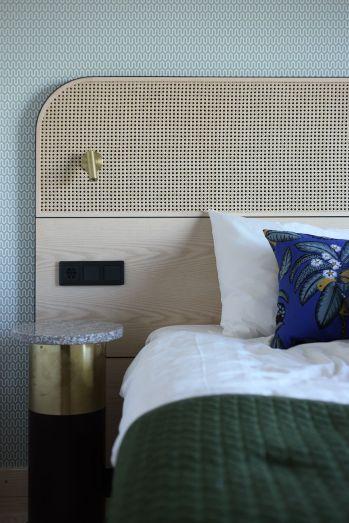 65 The Best Way to Beautify Your Bedroom Headboard 0052