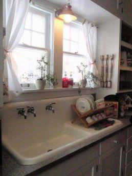 Beautiful tiny farmhouse kitchen