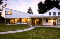 Farmhouse Style Architectures