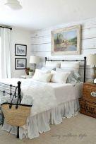 35 Stunning Magnolia Homes Bedroom Design Ideas For Comfortable Sleep 007