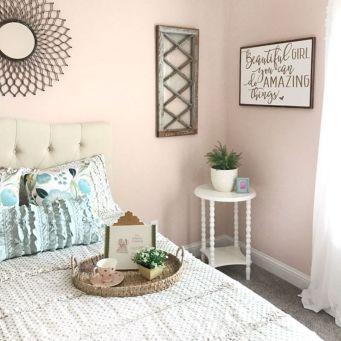 35 Stunning Magnolia Homes Bedroom Design Ideas For Comfortable Sleep 011