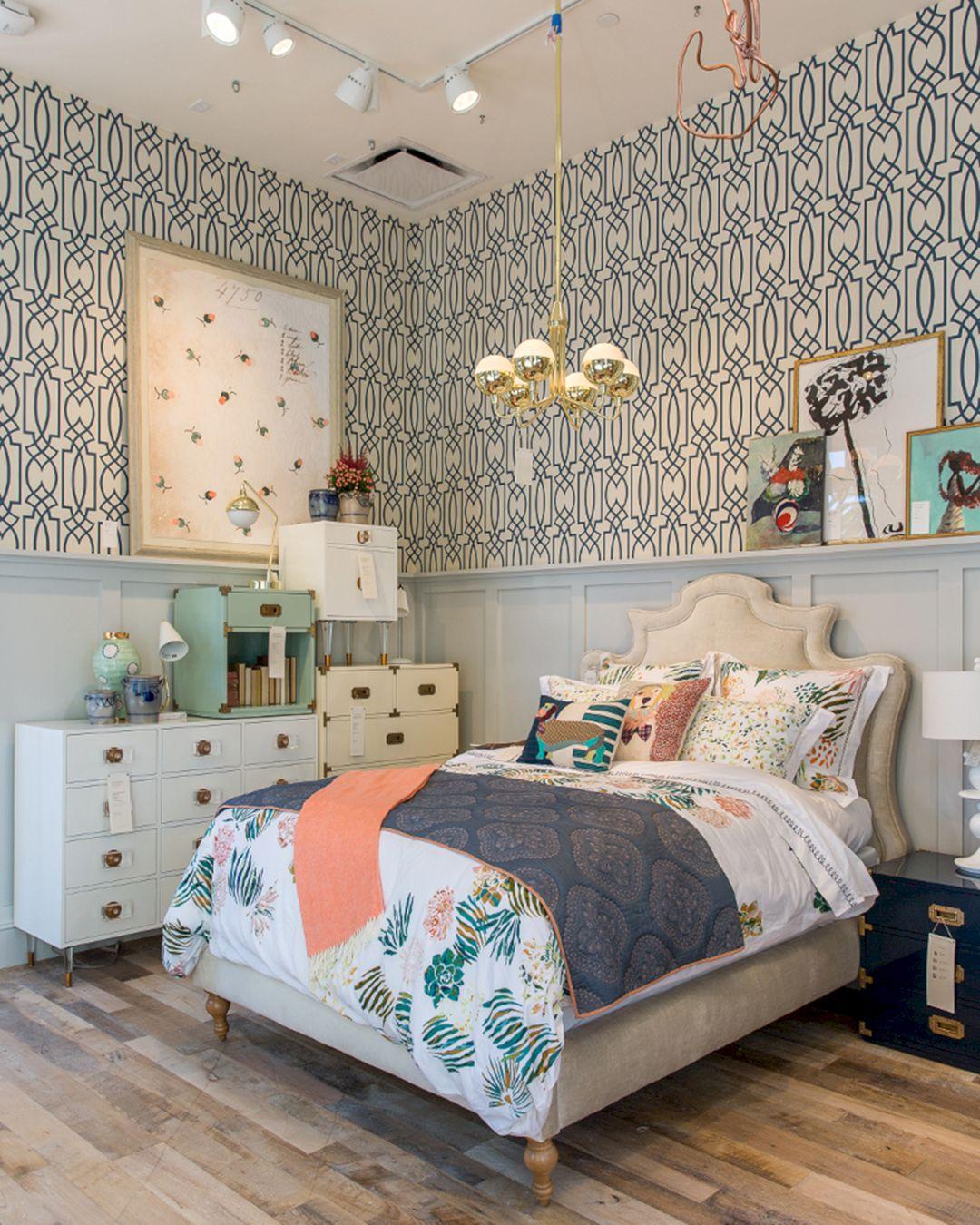 Beautiful Bedroom Wallpaper Decorating Ideas 11