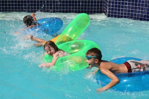 Inceredible Kid Swimming Pools Ideas 23