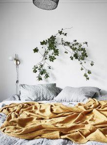 Incredible Yellow Aesthetic Bedroom Decorating Ideas 16