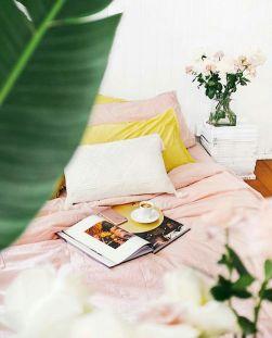 Incredible Yellow Aesthetic Bedroom Decorating Ideas 28