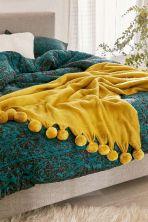 Incredible Yellow Aesthetic Bedroom Decorating Ideas 6