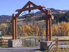 Rustic Driveway Entrance Gate