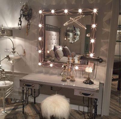Glam Room Decoration Ideas 32