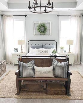 Rustic Farmhouse Style Master Bedroom Ideas 19